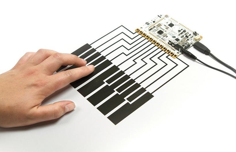 progetti arduino touch board