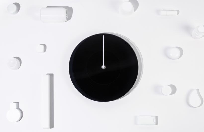Dusk, orologio che cambia tonalità di colore